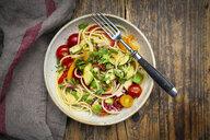 Spaghetti with grilled vegetables, paprika, zucchini, avocado, tomato, coriander - LVF08065