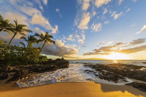 Secret Beach at sunset, Maui, Hawaii, USA - FOF10866