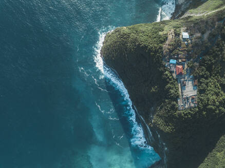 Ocean coastline, Kelingking Beach area, Nusa Penida island, Bali,Indonesia - KNTF02820