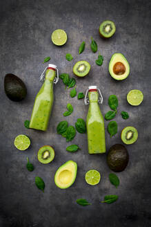 Green smoothie with avocado, spinach, kiwi and lime, coconut flakes and black sesame - LVF08102