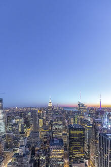 Skyline at blue hour with Empire State Building, Manhattan, New York City, USA - MMAF01027