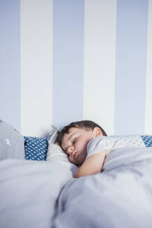 Little boy sleeping on bed in the morning - LJF00137