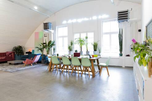 Modern office interior - FKF03336