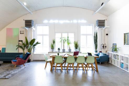 Modern office interior - FKF03339