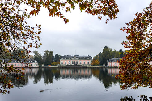 Benrath Palace and pond in autumn, Duesseldorf, Germany - PU01630