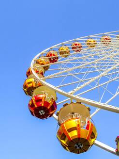 Ferris wheel under blue sky - PUF01651