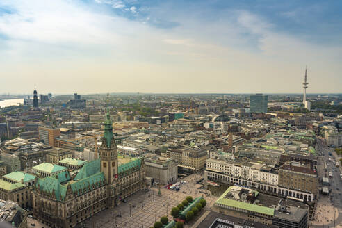 Cityscape with city hall and old town, Hamburg, Germany - TAMF01615