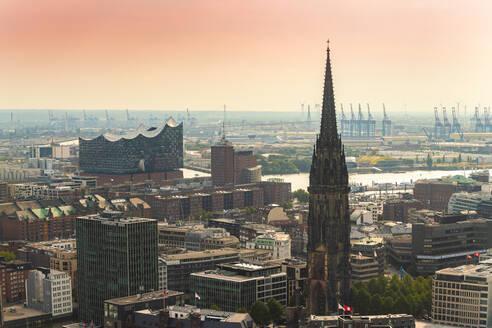 Cityscape with St. Nikolai Memorial, Elbphilharmonie and harbor, Hamburg, Germany - TAMF01618