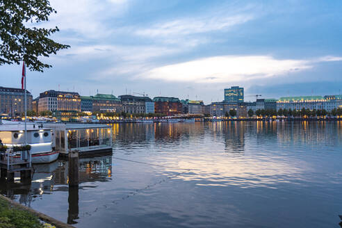 Cityscape with Binnenalster at sunset, Hamburg, Germany - TAMF01639