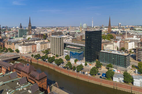 Cityscape with old town and new town, Hamburg, Germany - TAMF01645