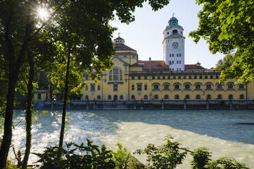 Germany, Upper Bavaria, Munich, Isar river and Mullersches Volksbad building - SIEF08743