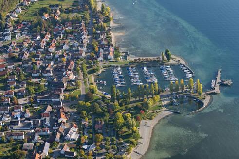 Deutschland, Baden-Württemberg, Bodensee, Uhldingen, Unteruhldingen, Luftaufnahme Hafen - SHF02198