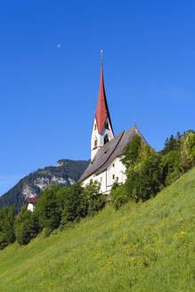 Pfarrkirche St. Ingenuin und Albuin, Hippach, Zillertal, Tirol, �sterreich - SIEF08791
