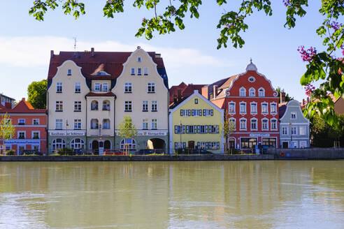 H�user an Isargestade, Isar, Landshut, Niederbayern, Bayern, Deutschland - SIEF08822