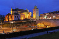 St. Anne's Church at night, Solidarity Avenue with tunnel under the Old Town, Warsaw, Poland - ABOF00416