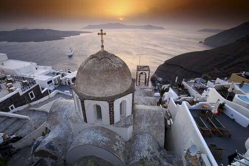 Panoramic view of Oia, Santorini, Greece - DSGF01853