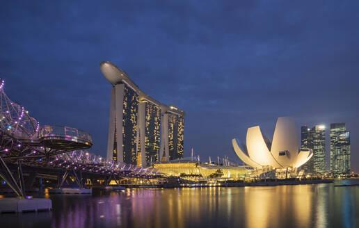 Singapore city skyline and waterfront, Singapore, Singapore - BLEF12742