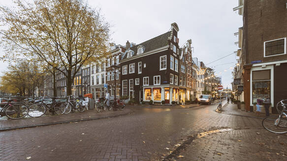 Herengracht at the old city center in Autumn, Amsterdam, Netherlands - TAMF01919