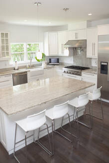 Breakfast bar, stools and counters in modern kitchen - BLEF13250