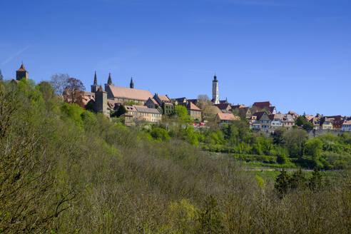 Blick aus dem Taubertal auf die Altstadt, Rothenburg ob der Tauber, Mittelfranken, Franken, Bayern, Deutschland - LBF02671
