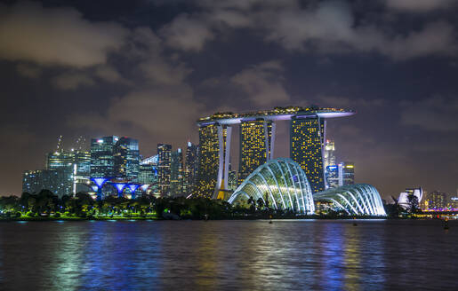 Singapore, Singapore, Gardens by the Bay and skyline - HSIF00730