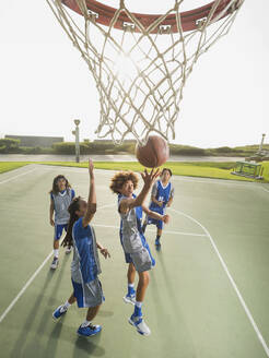 Basketball team doing drills at practice - BLEF13797