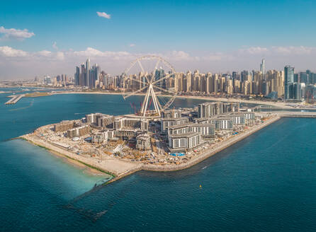 Aerial view of the Ferris wheel under construction on Bluewaters island in Dubai, U.A.E. - AAEF01097