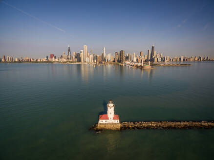 Aerial view of lighthouse at Lake Michigan with Chicago at the background, USA - AAEF01169