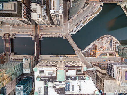 Aerial view of the Chicago River crossing business center, USA - AAEF01283