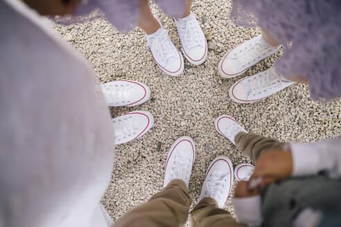 Converse Schuhe von oben, Österreich, Klagenfurt, Kärnten - DAWF00947