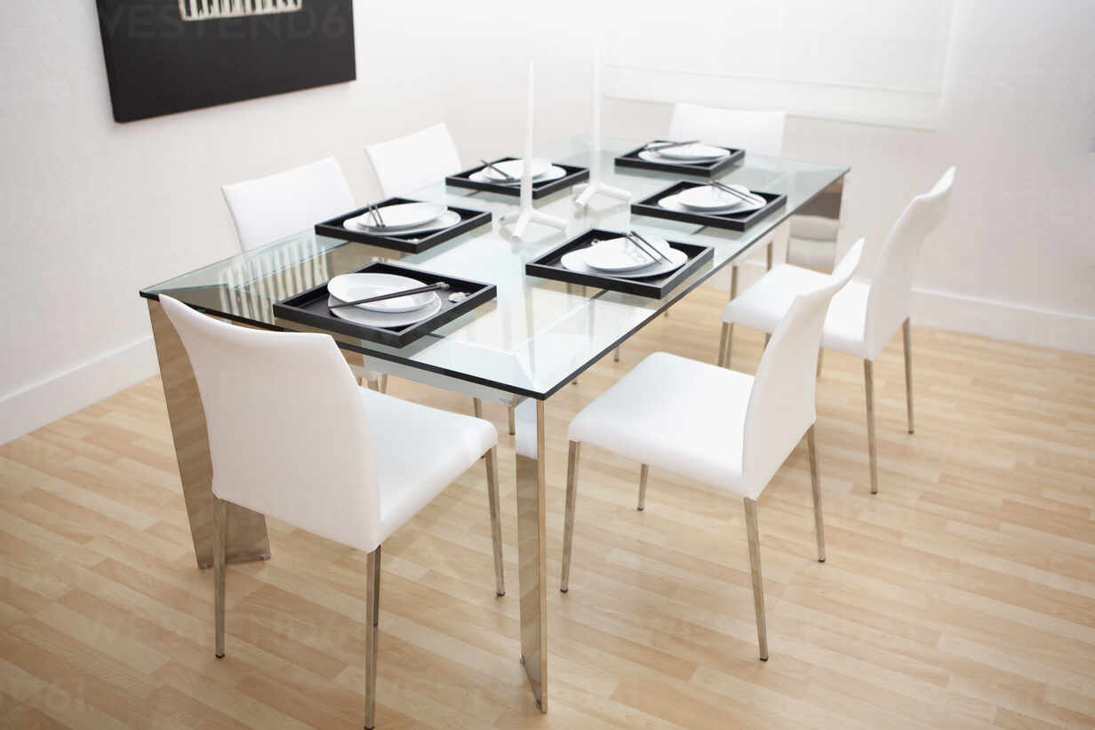 Set Table And Chairs In Modern Dining Room Blef13955 Camilo Morales Westend61