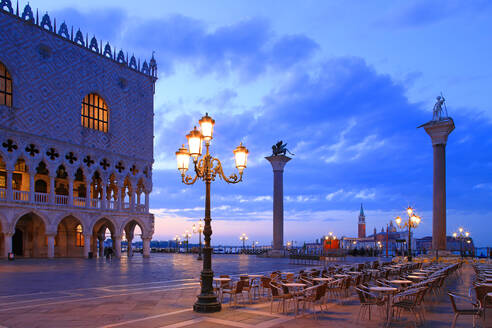 Doge's Palace and Piazzetta against San Giorgio Maggiore in the early morning light, Venice, UNESCO World Heritage Site, Veneto, Italy, Europe - RHPLF01029