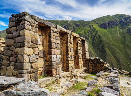 Inca Temple Ruins, Ollantaytambo, Sacred Valley, Cusco Region, Peru, South America - RHPLF02512
