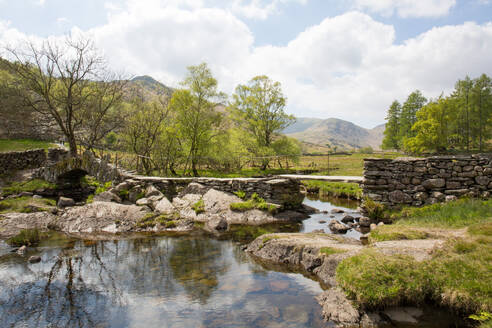Slater's Bridge, a 17th century packhorse bridge, Little Langdale, Lake District, UNESCO World Heritage Site, Cumbria, England, United Kingdom, Europe - RHPLF03213
