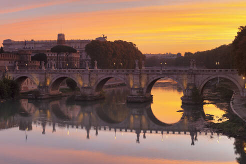Ponte Sant'Angelo Bridge at sunrise, UNESCO World Heritage Site, Tiber River, Rome, Lazio, Italy, Europe - RHPLF05335