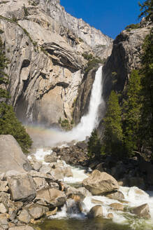 Yosemite Falls, Yosemite National Park, UNESCO World Heritage Site, California, United States of America, North America - RHPLF06172