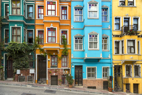 Colorful buildings in Balat, Istanbul, Turkey - KNTF03333