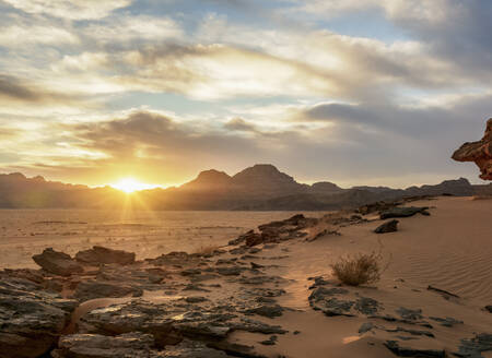 Wadi Rum at sunset, Aqaba Governorate, Jordan, Middle East - RHPLF08420