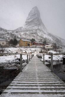Reine, Lofoten, Nordland, Arctic, Norway, Europe - RHPLF08555