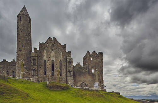 The ruins of the Rock of Cashel, Cashel, County Tipperary, Munster, Republic of Ireland, Europe - RHPLF08643