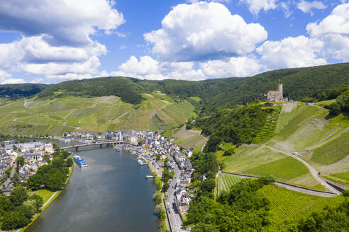 Aerial view of Mosel River and Bernkastel-kues against cloudy sky, Germany - RUNF02934