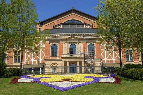 Festspielhaus auf dem Grünen Hügel, Bayreuth, Oberfranken, Franken, Bayern, Deutschland - LBF02705