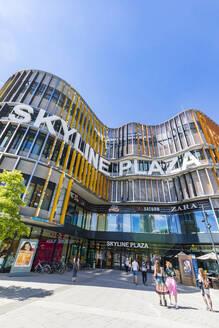 Deutschland, Hessen, Frankfurt am Main, Europaviertel, Skyline Plaza, Shoppingcenter, Einkaufszentrum, shopping, Geschäfte - WD05502