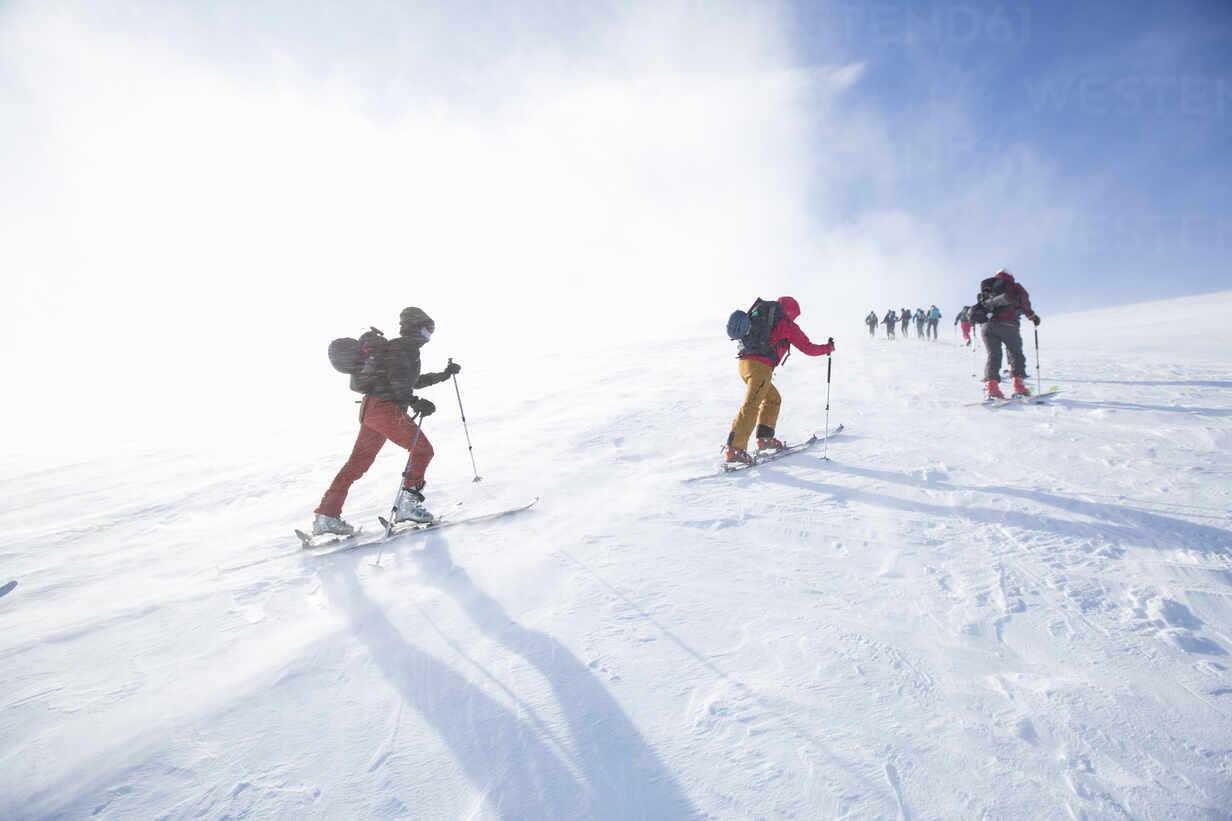 Cross country skiing - FOLF11049 - Sussi Lorinder/Westend61