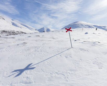Markers in snow of Kungsleden trail in Lapland, Sweden - FOLF11064