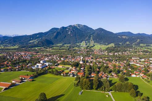 Lenggries mit Brauneck, T�lzer-Land, Isarwinkel, Oberbayern, Bayern, Deutschland - LHF00710