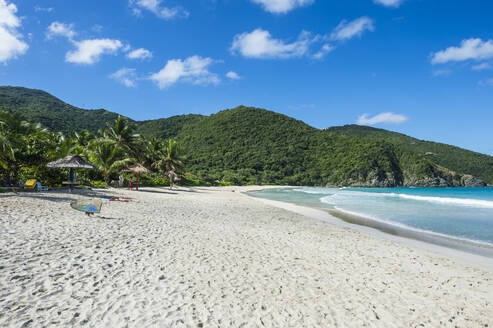 Scenic view of White sand beach, Tortola, British Virgin Islands - RUNF03140