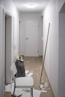 Corridor of an apartment after removing wallpaper - CHPF00578