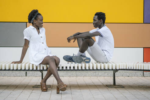 black couple in colorful and geometric background/SPAIN/ALICANTE/SAN JUAN - DLTSF00180