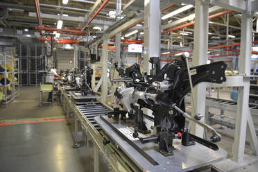 Modern car production in a factory - LY00942